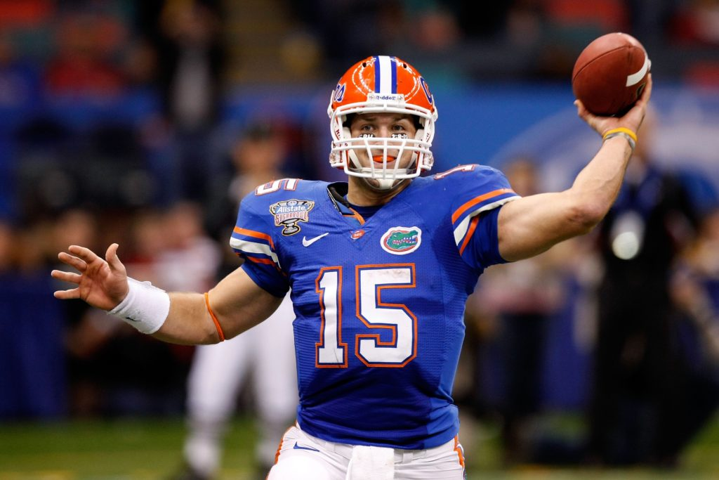 Florida QB Tim Tebow became the first sophomore in NCAA history to nab the  Heisman Trophy. His trophy-winning season saw him piling up impressive  stats 2623bfbd7